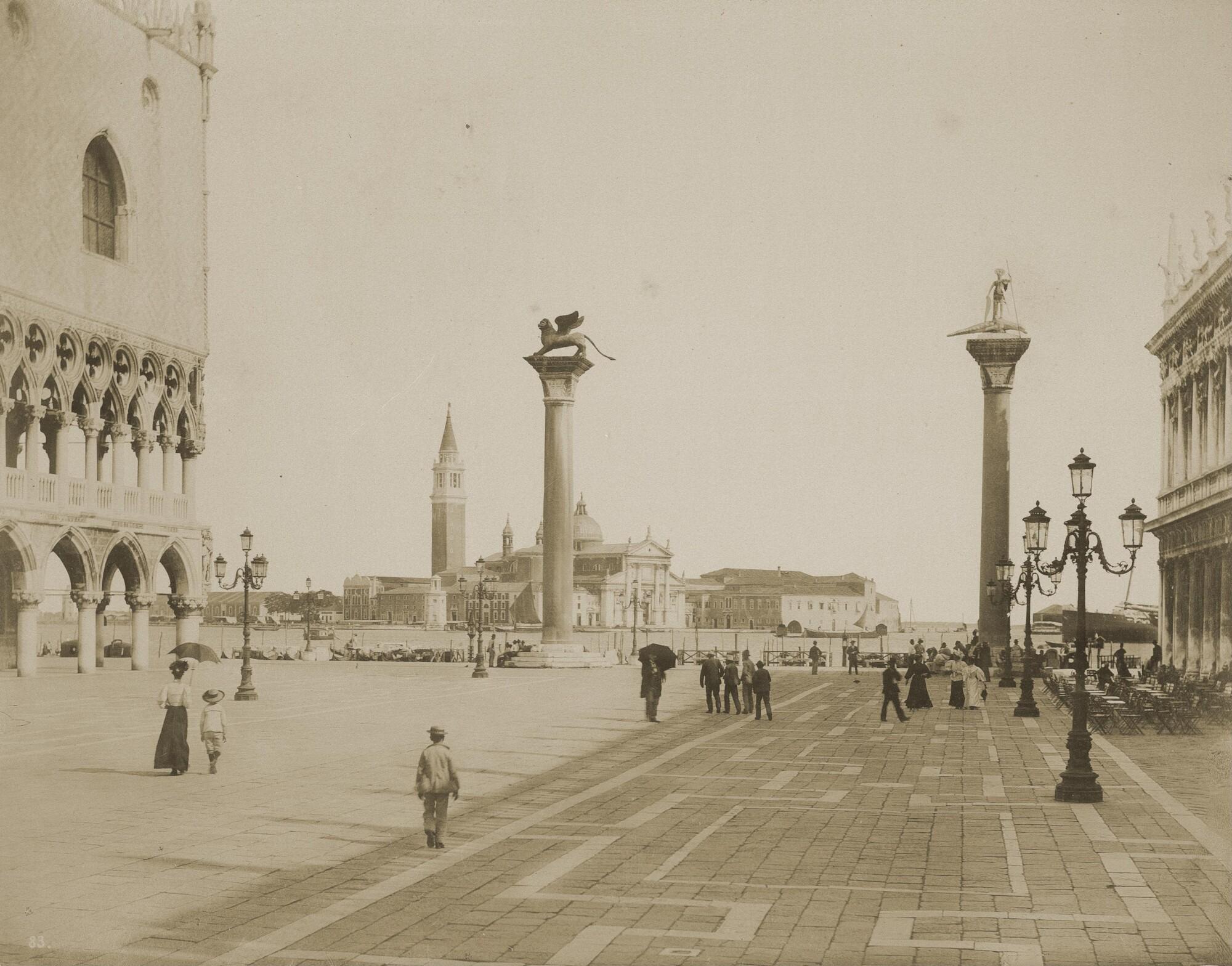 Томазо Филиппи.    Площадь Сан-Марко, 1890‑е   Альбуминовый отпечаток