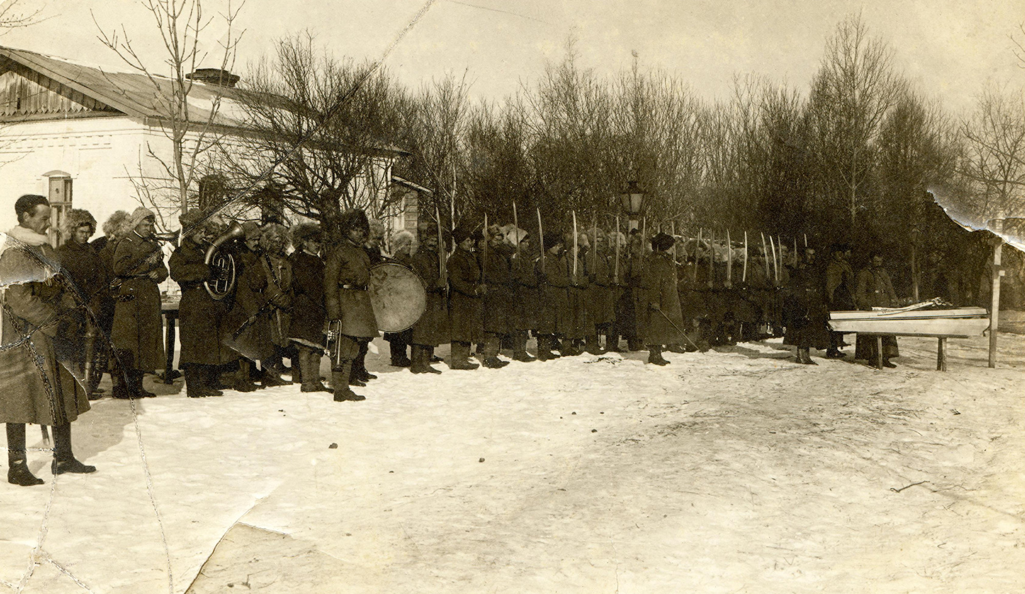 Похороны офицера-калмыковца.    1918–1920   © КГБНУК г. Хабаровск «ХКМ имени Н. И. Гродекова»