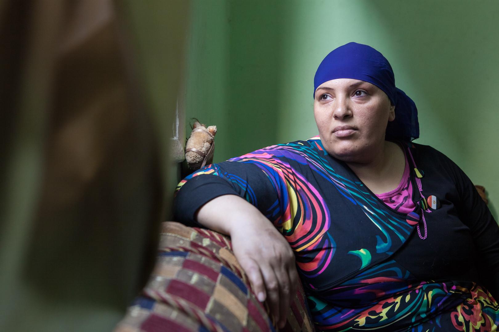 Amélie Losier.  Mona Farrag Abdelati, 42 Jahre Kairo, Ägypten, 2014