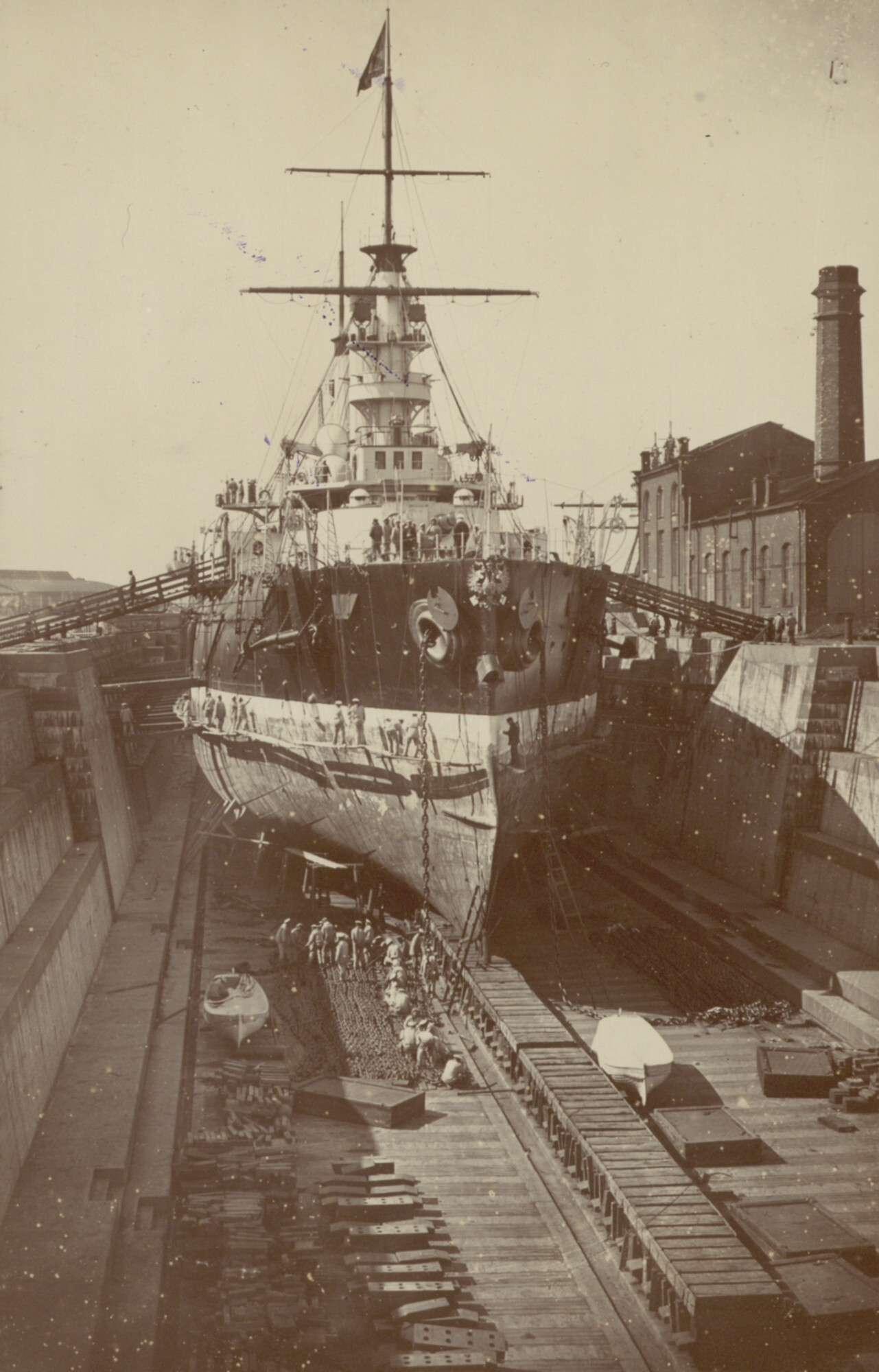 Эскадренный броненосец «Полтава» в кронштадтском доке