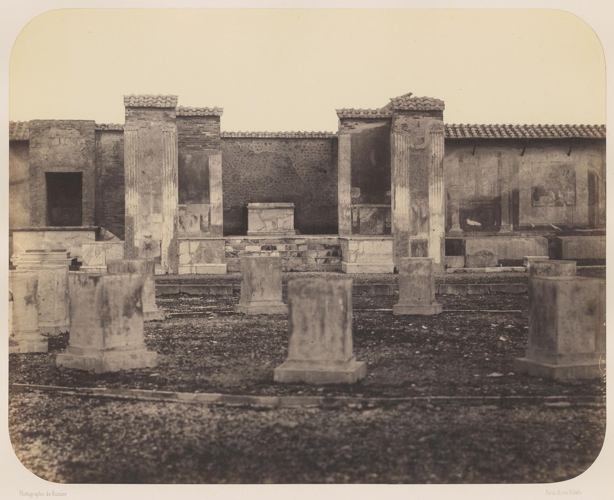 Гавриил Рюмин.    Храм Веспасиана. Помпеи,1859   Альбуминовый отпечаток
