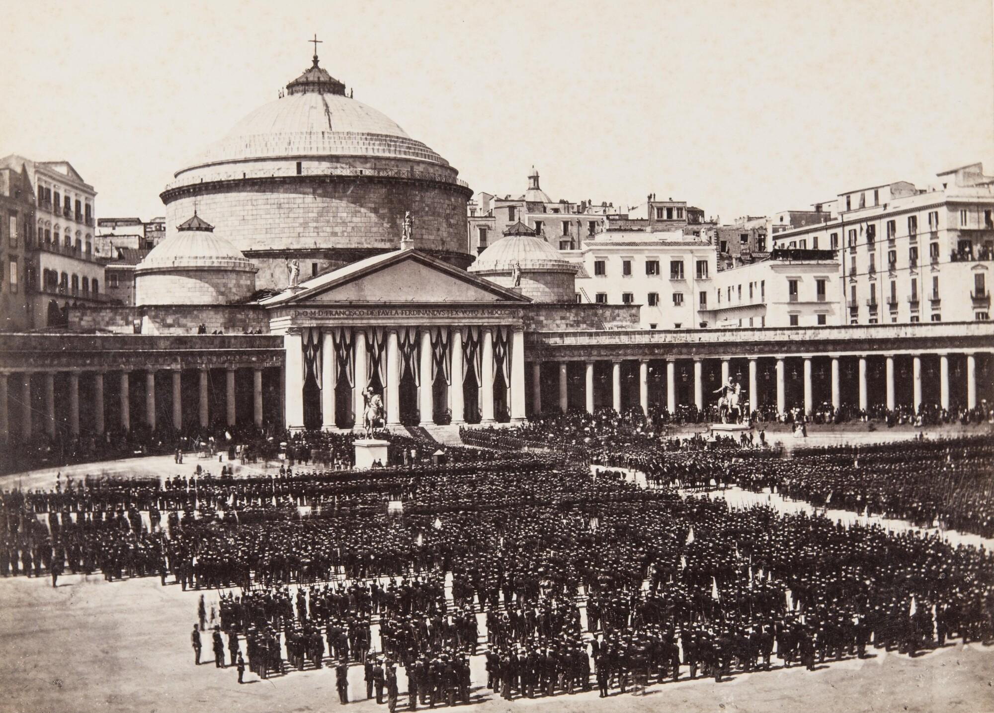 Джорджо Зоммер.    Парад Национальной гвардии на пьяцца дель Плебишито,1861–1865   Альбуминовый отпечаток