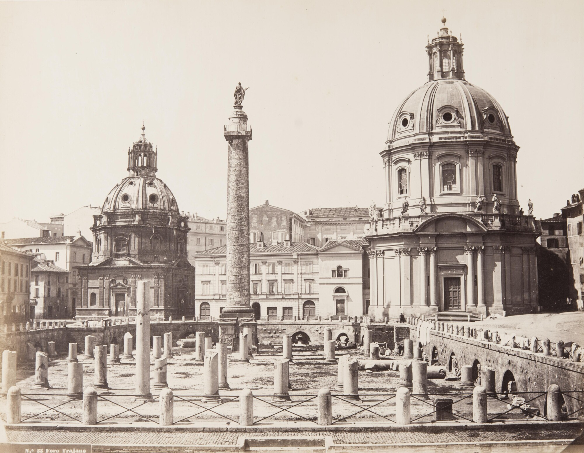 Альтобелли и Молинс.    ФорумТраянаи колонна Траяна,1860–1865   Альбуминовый отпечаток