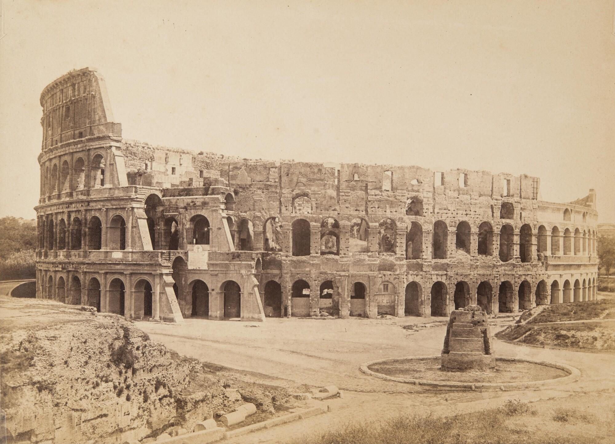 Томмазо Куччони.    Колизей,1858   Альбуминовый отпечаток