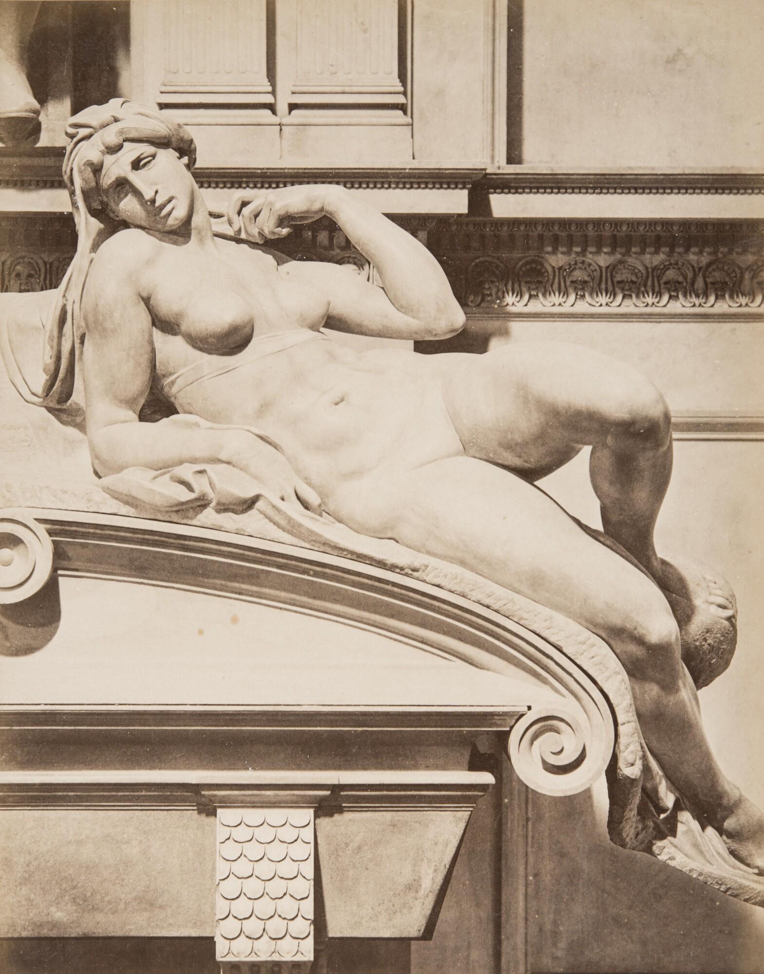 Алинари.    Микеланджело, статуя «Утро», 1860‑е   Альбуминовый отпечаток