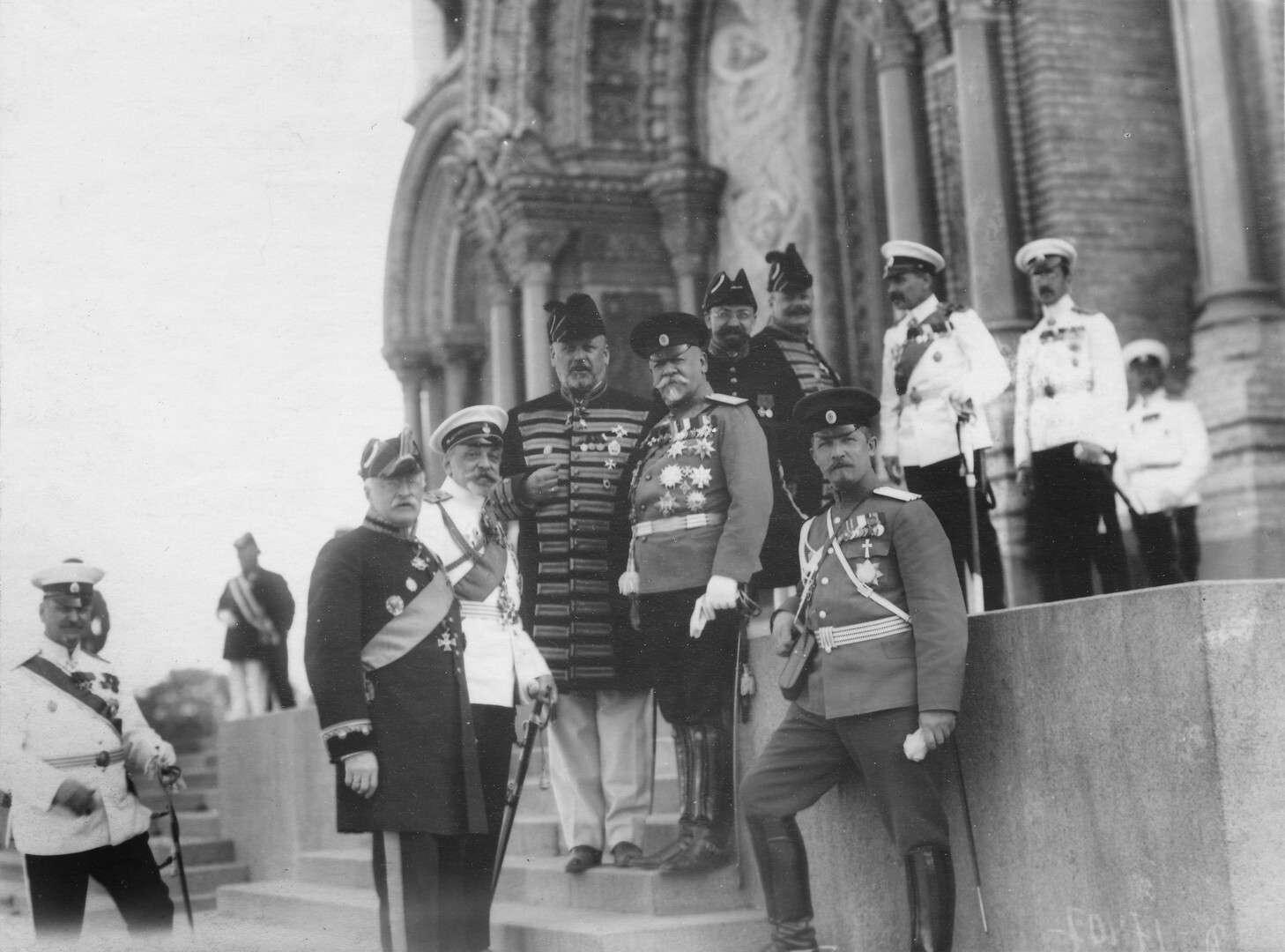 Военный министр, генерал В.А.Сухомлинов и 3-й - председатель Государственной Думы М. В. Родзянкоу Морского собоа в Кронштадте