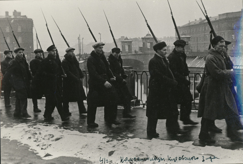 Б. П. Кудояров.    Комсомольцы Кировского завода. Патруль   1941