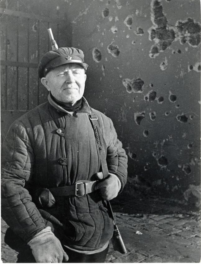 Б. П. Кудояров.    У Кировского Завода   1941