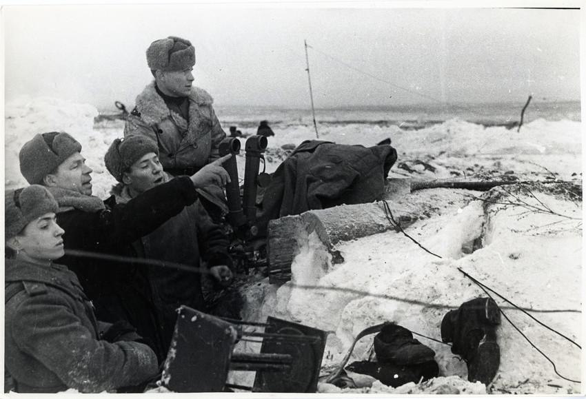 Б. П. Кудояров.    На поле боевых действий. Пулково   1944