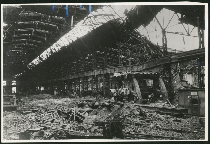 Б. П. Кудояров.    Ижорский завод. Прокатный цех после артобстрела   1942