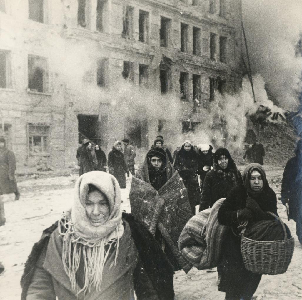 Б. П. Кудояров.    Улица блокадного Ленинграда   1941–1943