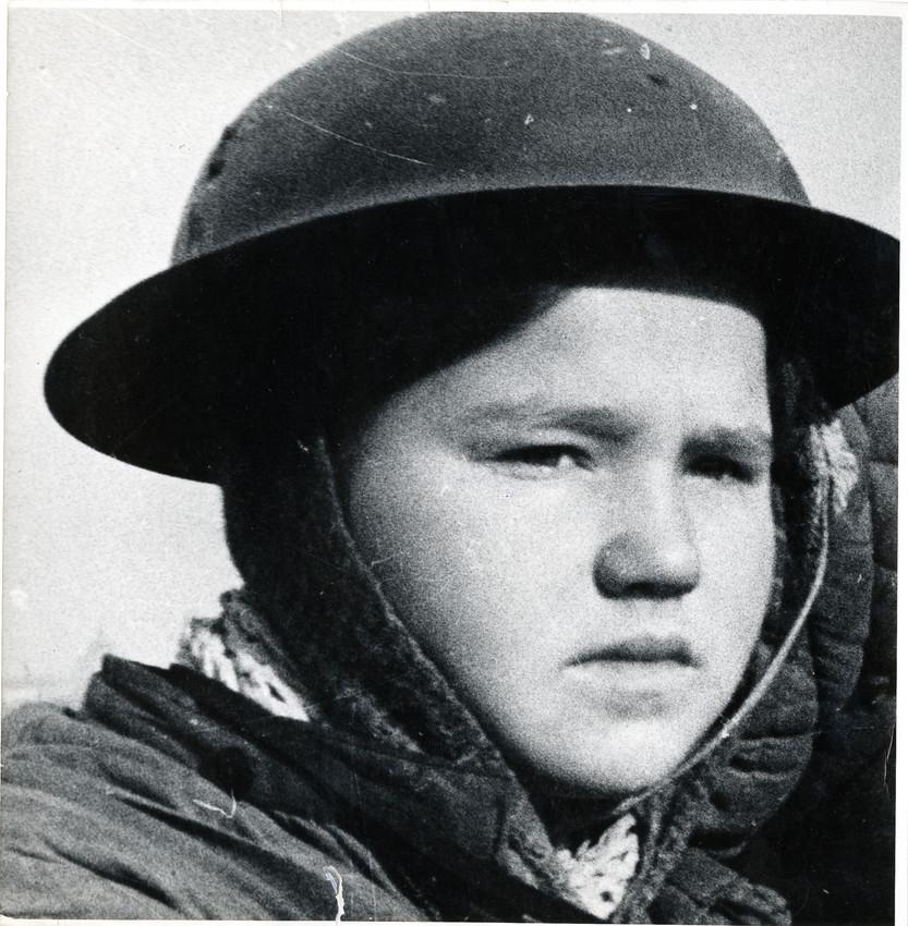 Б. П. Кудояров.    Ленинград в блокаде. Пост ПВО   1942