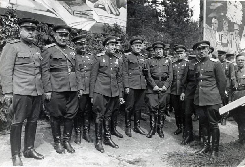 Б. П. Кудояров.    Генералитет Ленфронта   1941–1945