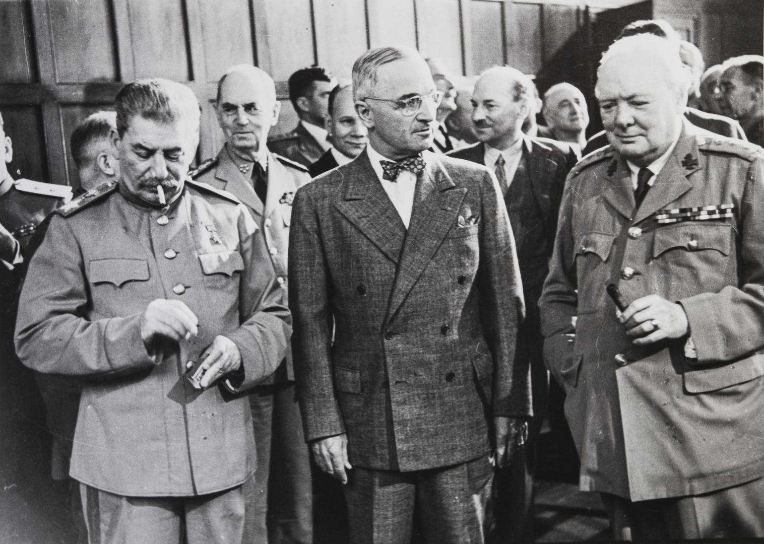Е. А. Халдей.    На Потсдамской конференции   Потсдам, Германия, 1945