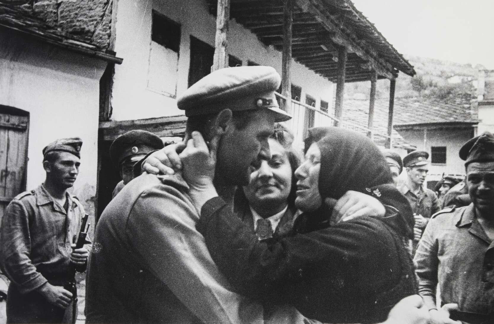 Евгений Халдей.    Болгарские партизаны   Болгария, 1944