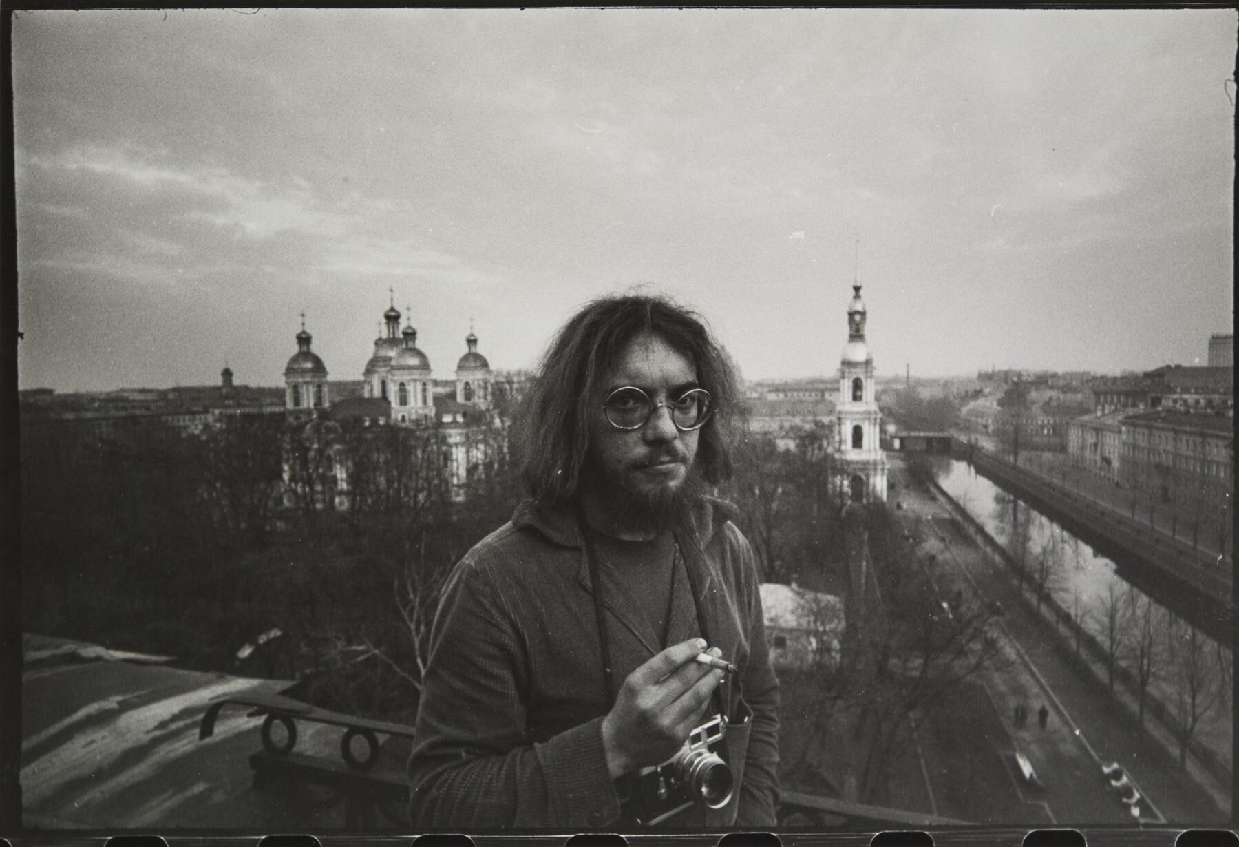 Борис Смелов.    Автопортрет   Ленинград, 1983