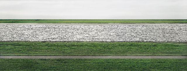 00600_Andreas_Gursky_The_Rhine_II_1999